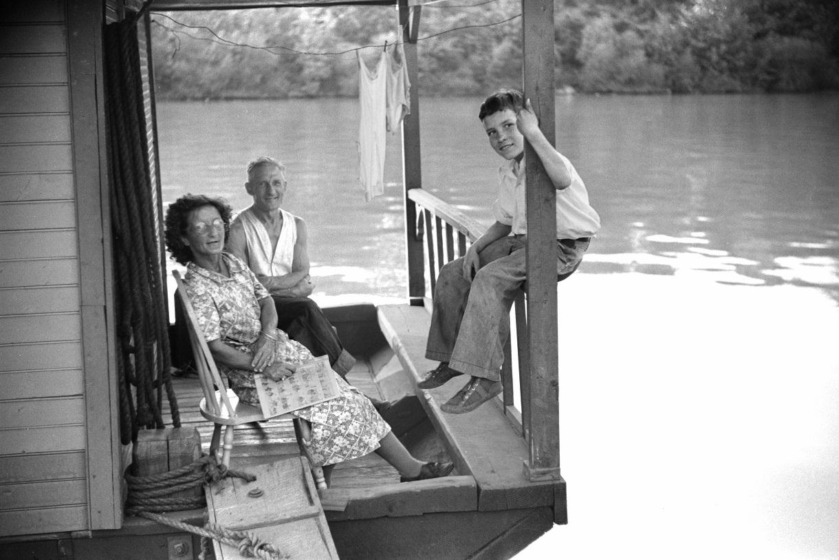 Shantyboat_Wolcott_Sept1938_MaPaSonny_30percent