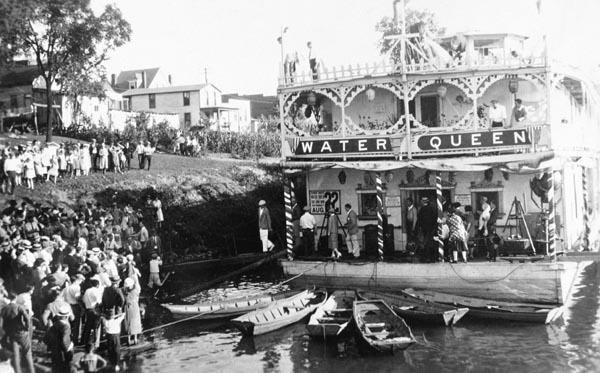 ShowBoatWaterQueen1925